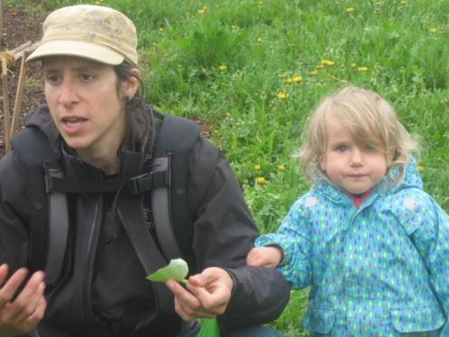 En compagnie d'une jeune herboriste en herbe!