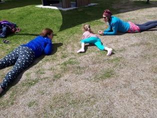 Serpent - Yoga familial à Percé à la Saint-Jean